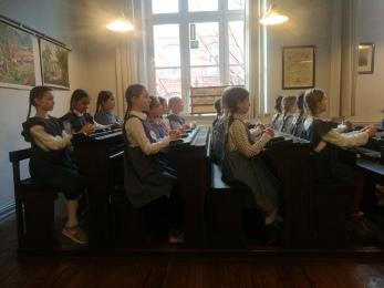 Klasse 4d im Schulmuseum Hamburg